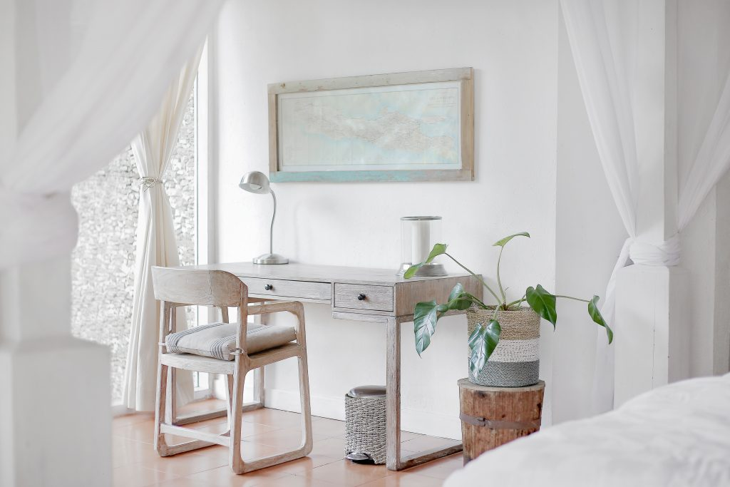 light colors for small rooms